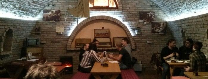 Mr&Mrs Columbo Pub is one of Будапешт.