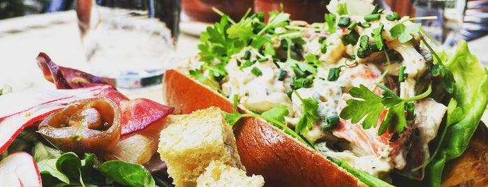 Pierrot Gourmet is one of Tempat yang Disukai Phuong.