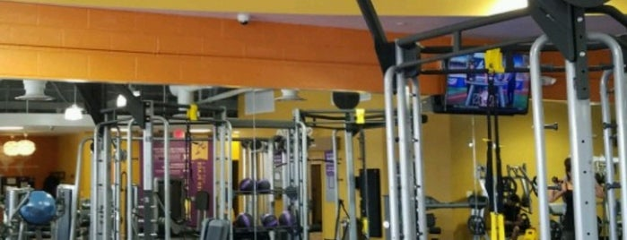 Anytime Fitness is one of สถานที่ที่ Youssef ถูกใจ.