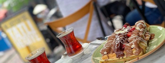 Viyana Kahvesi is one of Kafe.