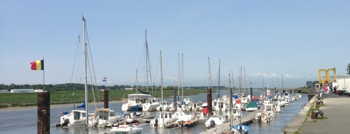 Port d'Etaples is one of Carlさんのお気に入りスポット.