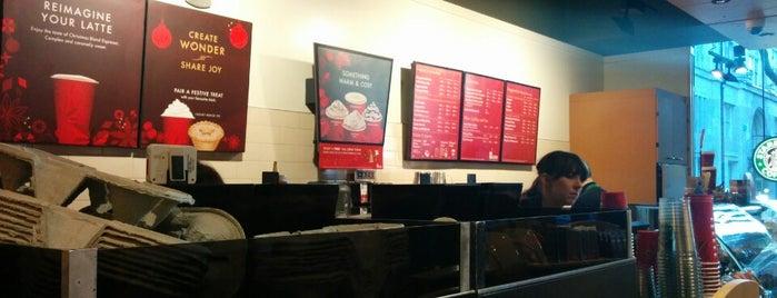 Starbucks is one of สถานที่ที่ Resul ถูกใจ.