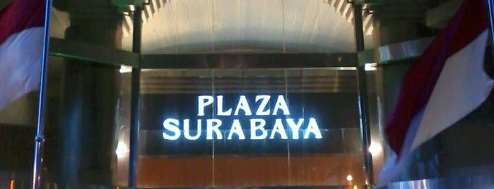 Plaza Surabaya is one of Posti salvati di Putri Dwi.