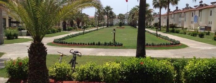 Güney Tatil Sitesi is one of Tempat yang Disukai HARUN.