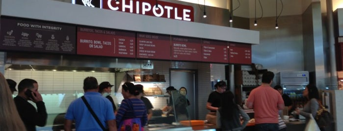 Chipotle Mexican Grill is one of Tempat yang Disukai Gannon.