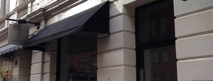Vidal Sassoon Academy is one of London.