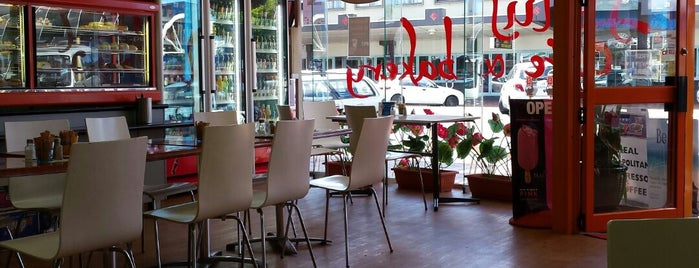 Lotus Cafe & Bakery is one of Ozzie Kiwi.