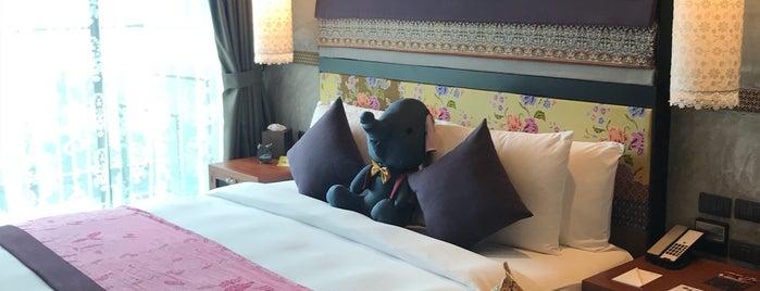 Nook-Dee Hotel is one of สถานที่ที่ JOY ถูกใจ.