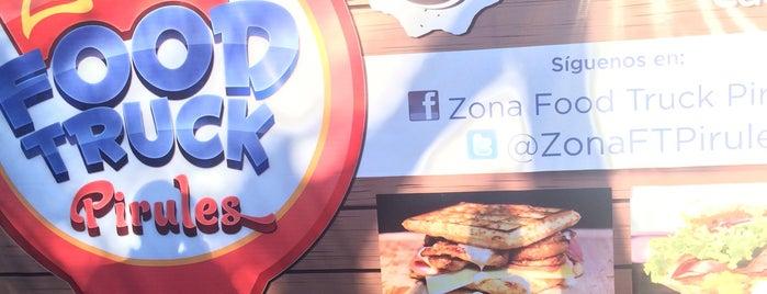 Zona Foodtrucks Pirules is one of Locais curtidos por Pablo.