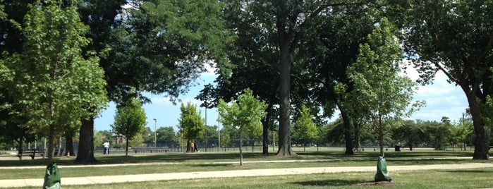 Palmer Park is one of Chicago Park District Fitness Centers.