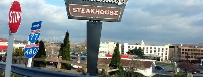 Delmonico's Steakhouse is one of Lugares favoritos de Kimberly.