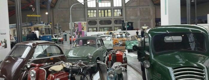 Deutsches Museum - Verkehrszentrum is one of 博物館.