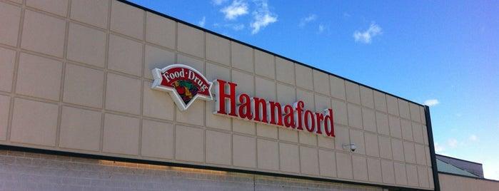 Hannaford Supermarket is one of Tempat yang Disukai Yvette.