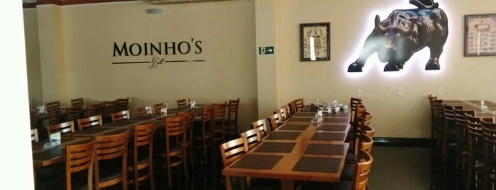 Moinho's Grill is one of Locais curtidos por Marcos.