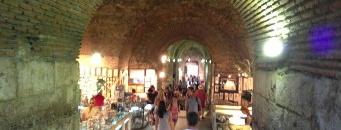 Riznica splitske katedrale (The Split Cathedral Treasury) is one of Long weekend in Split.