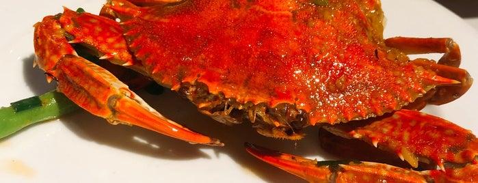 Crab House is one of Locais curtidos por Olga.