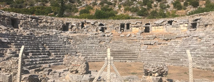 Limyra Antik Kenti is one of antalya rota.