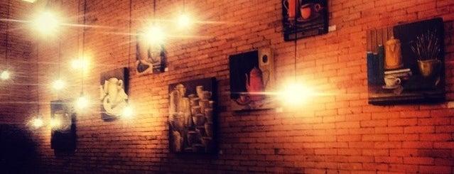 Vinces Wine & Coffee is one of Lugares favoritos de Miro.