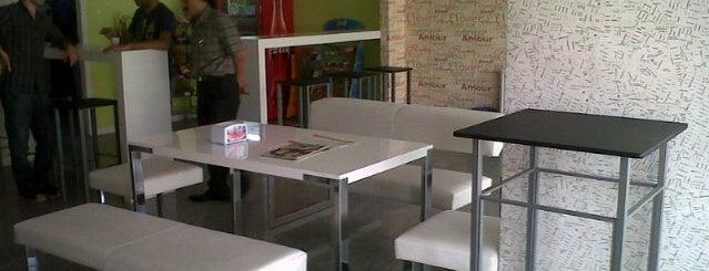 Deulcom International School Of English is one of Gespeicherte Orte von Esn.