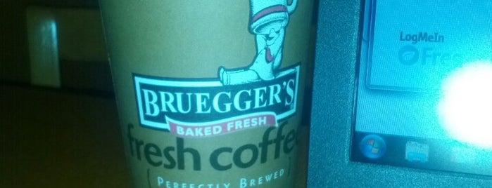 Bruegger's Bagels is one of Orte, die Caitlin gefallen.