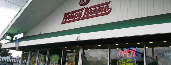 Krispy Kreme Doughnuts is one of Posti che sono piaciuti a Michael.
