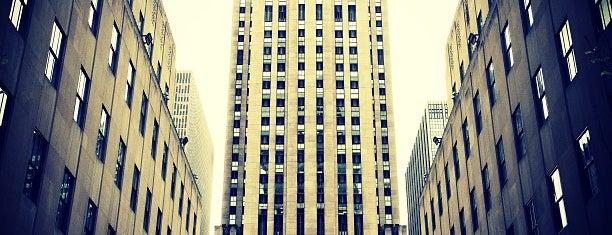 Рокфеллеровский центр is one of New York.