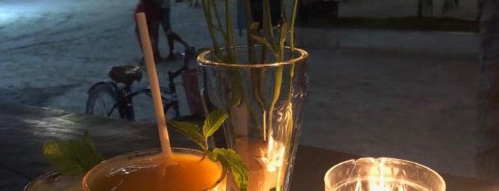 the hot corner's bar is one of Stephraaa 님이 좋아한 장소.