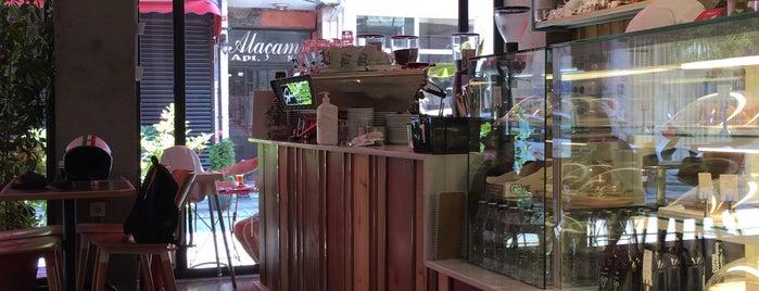 Coffee Manifesto Yeldeğirmeni is one of Tempat yang Disukai Işıl.