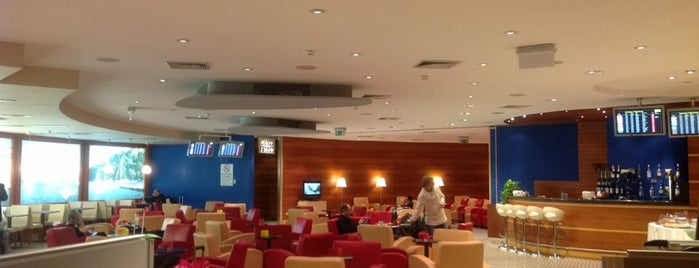 "Alitalia Freccia Alata Lounge ""Le Navi"" is one of Orietta 님이 저장한 장소."