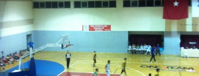 Yakacık İTO Spor Salonu is one of Korhan'ın Beğendiği Mekanlar.