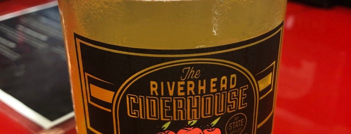 The Riverhead Ciderhouse is one of kevin : понравившиеся места.