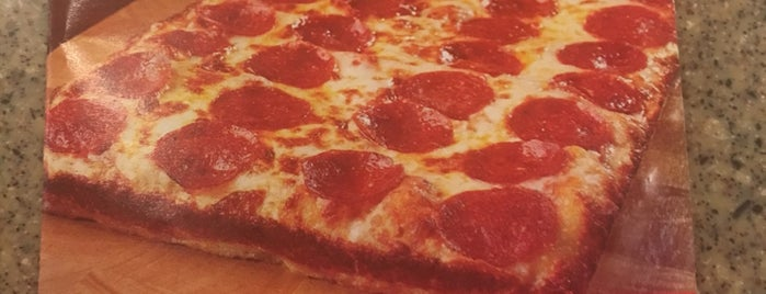 Rialto Pizza is one of Locais salvos de Chad.