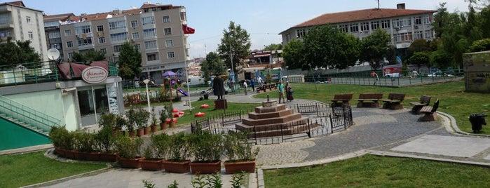 Küçükköy Meydan is one of Lugares guardados de Güçlü.