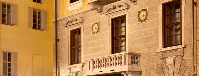 Hotel NH Collection Torino Piazza Carlina is one of สถานที่ที่ Giovanna ถูกใจ.