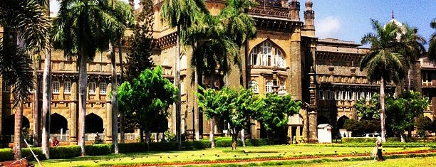 Chhatrapati Shivaji Maharaj Vastu Sangrahalaya (Prince of Wales Museum of Western India) is one of Mumbai Attractions.