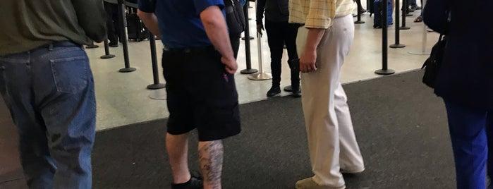 TSA PreCheck is one of Locais curtidos por Rick.
