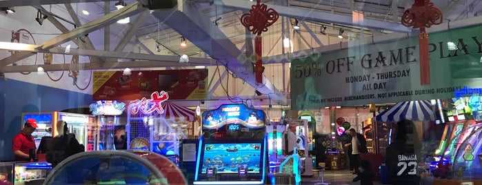 Tilt Arcade Bar is one of Operation Local.