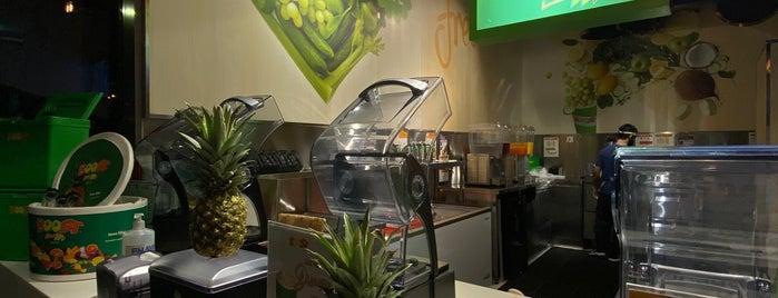 Boost Juice Bars is one of Locais salvos de Queen.