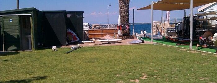 Çeşmealtı Rüzgar Sörfü ve Yelken Kulübü is one of Selcan'ın Beğendiği Mekanlar.