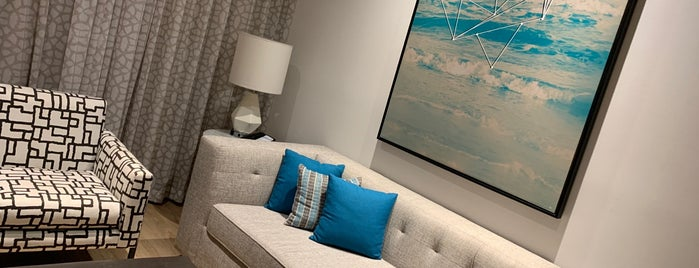 Hampton Inn & Suites is one of Locais curtidos por Juliano.