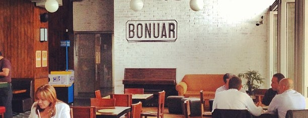 Bonuar Restaurante & Bar is one of Tempat yang Disukai Maria.