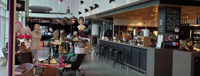 MOXY Hotel Milan Malpensa Airport is one of Orte, die Dafydd gefallen.