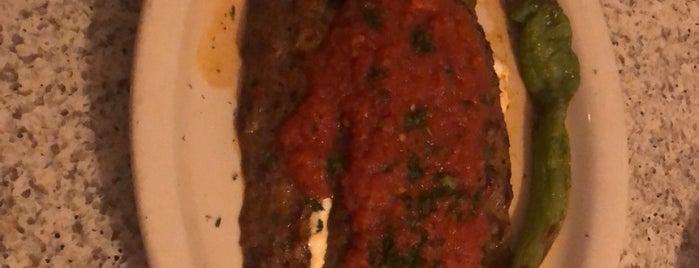 Atilla's Restaurant is one of Locais curtidos por Omar.