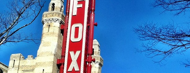 The Fox Theatre is one of Locais curtidos por Kimberly.