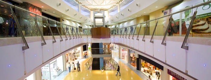 La Vela Centro Comercial is one of Orte, die Massiel gefallen.