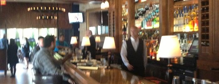 ML Tavern is one of Posti che sono piaciuti a Marjorie.