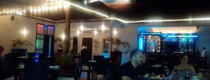 Rain Restaurant & Rooftop Lounge is one of Orte, die PJ gefallen.