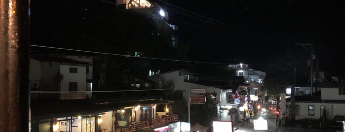 The Viewdeck Grill House is one of Filipinler-Manila ve Palawan Gezilecek Yerler.