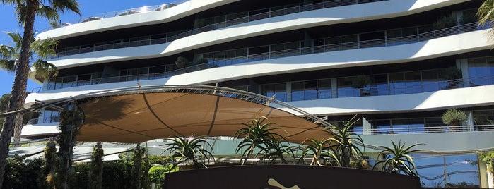 Alàbriga Hotel & Home Suites is one of Posti che sono piaciuti a enrico.