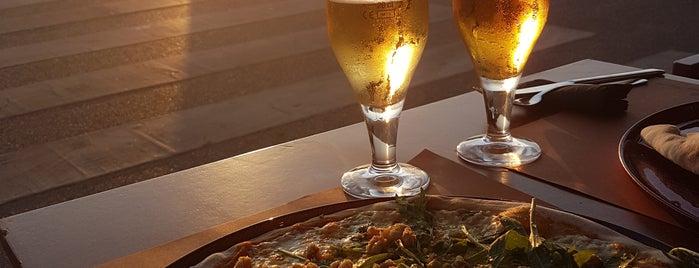 Alfaiate Al Forno is one of Pizzeria / Italiano.